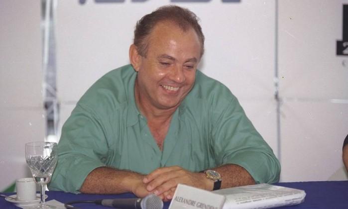 O empresário Alexandre Grendene, em 1997 Foto: Domingos Peixoto / Agência O Globo