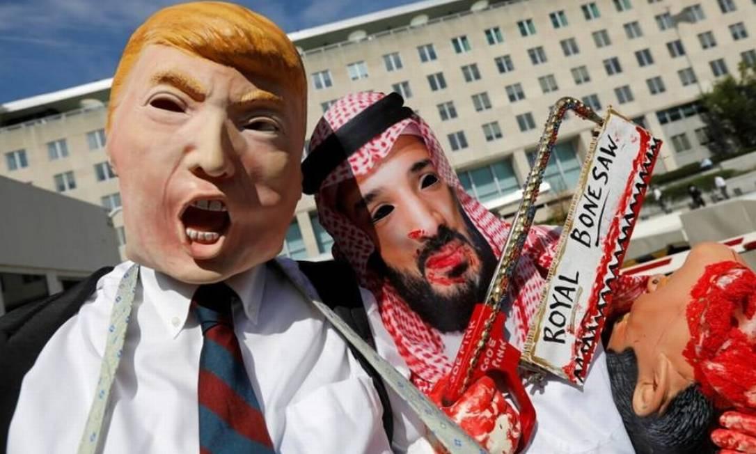 Ativistas protestam em Washington contra desaparecimento de jornalista saudita Jamal Khashoggi Foto: REUTERS/Kevin Lamarque