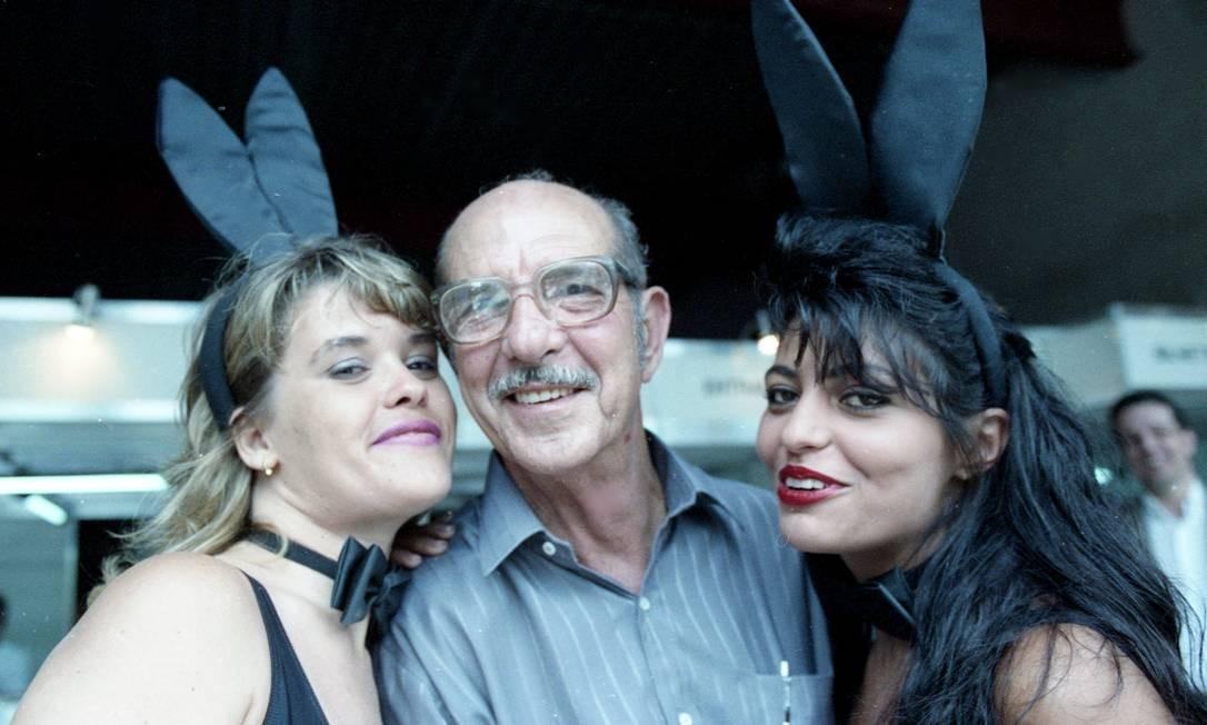 """Alcides Caminha, em 1991, logo após a revista """"Playboy"""" ter descoberto que ele era Carlos Zéfiro Foto: Monique Cabral / Agência O Globo"""
