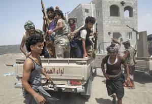 Combatentes iemenitas lutam contra coalizão liderada por Arábia Saudita em país mais pobre do Oriente Médio Foto: TYLER HICKS / NYT