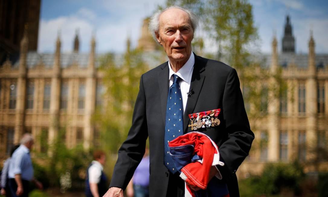 Joachim Roenneberg após ser homenageado na Câmara dos Lordes em 2013 Foto: Andrew Winning / REUTERS