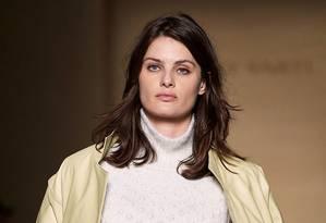 Isabeli desfilou para Lilly Sarti, na São Paulo Fashion Week Foto: Fotosite