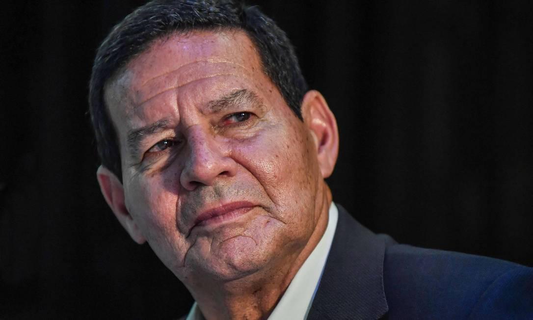 Candidato a vice, General Mourão (PRTB) é companheiro de chapa de Jair Bolsonaro (PSL) Foto: NELSON ALMEIDA / AFP