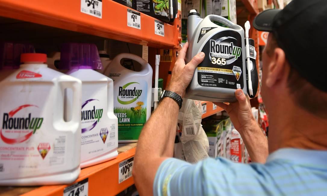 """Principal agente ativo do Roundup é o glifosato, classificado como """"provavelmente cancerígeno"""" por agência da OMS Foto: JOSH EDELSON / AFP"""