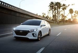O Hyundai Ioniq existe em três versões: elétrica, híbrida e híbrida plug-in Foto: Divulgação
