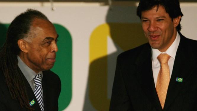 Gilberto Gil e Fernando Haddad, quando ministros em 2007 Foto: Gustavo Miranda / Agência O Globo