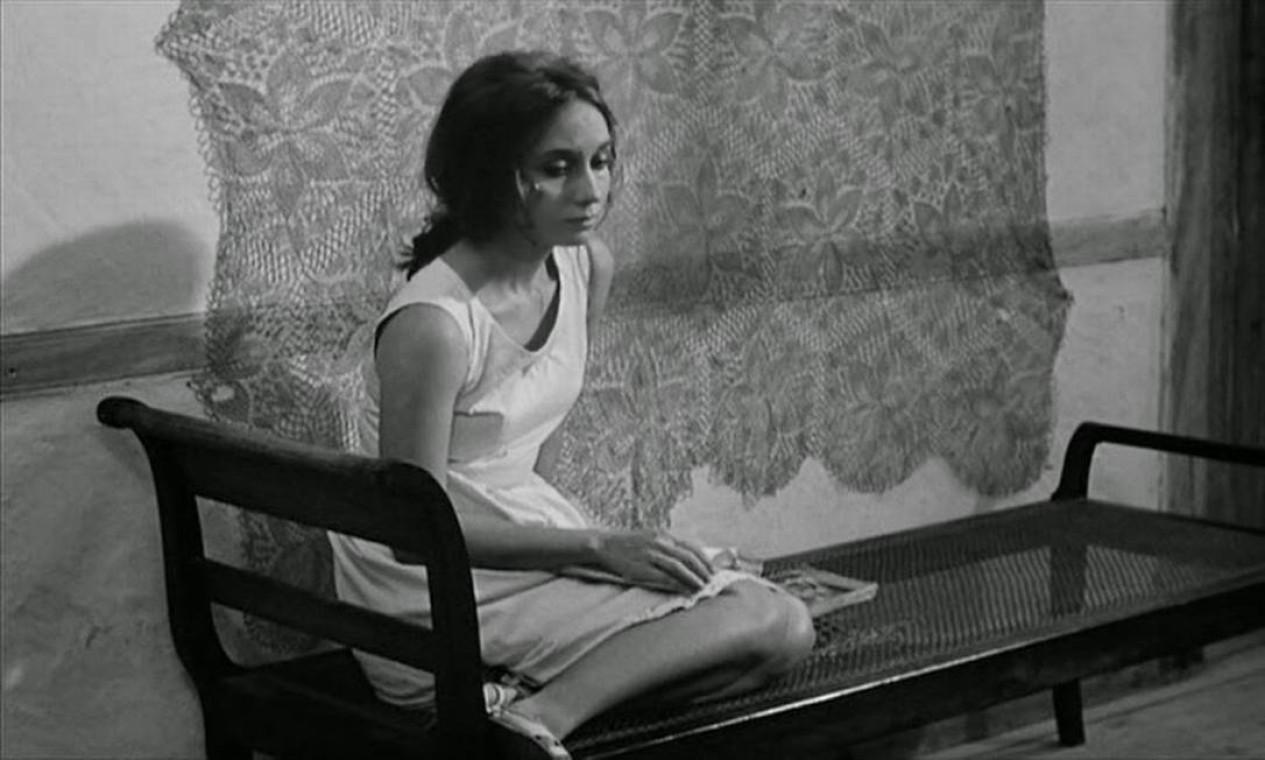 A atriz Helena Ignez em 'O padre e a moça' (1965), de Joaquim Pedro de Andrade Foto: Divulgação