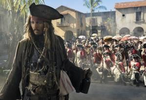Johnny Depp como o capitão Jack Sparrow Foto: Peter Mountain/Disney / Divulgação