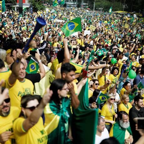 Apoiadores de Jair Bolsnaro em manifestação a seu favor na Avenida Paulista Foto: Nacho Doce / REUTERS