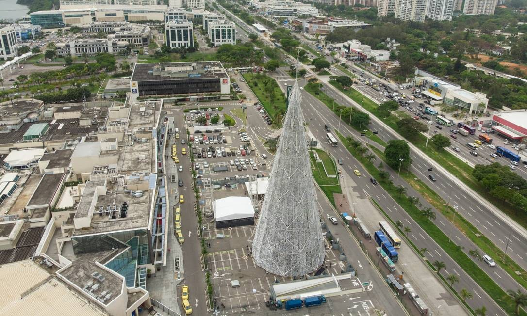 A estrutura terá dez metros a mais do que a do ano passado Foto: Brenno Carvalho / Agência O Globo