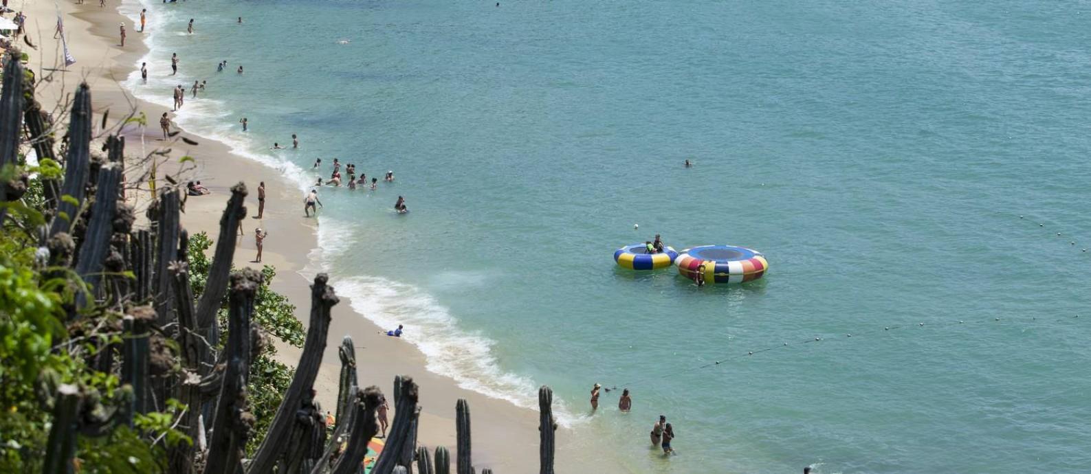 Praia de João Fernandes, em Búzios: cidade já se prepara para o próximo verão Foto: Gabriel Monteiro / Agência O Globo