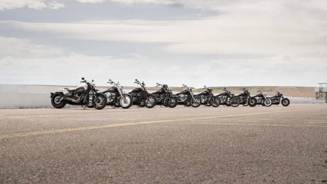 Dos 10 modelos softail, nove são vendidos no Brasil. As mais novas são a FXDR e a Sport Glide Foto: Divulgação