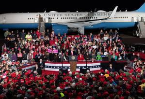 Trump em Mosinee, Wisconsin: críticas à mídia Foto: SAUL LOEB / AFP