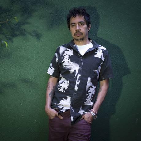 O baterista Pupillo ampliou seu currículo com a produção de álbuns recentes de Erasmo Carlos, Gal Costa e Paulo Miklos Foto: Edilson Dantas / Agência O Globo