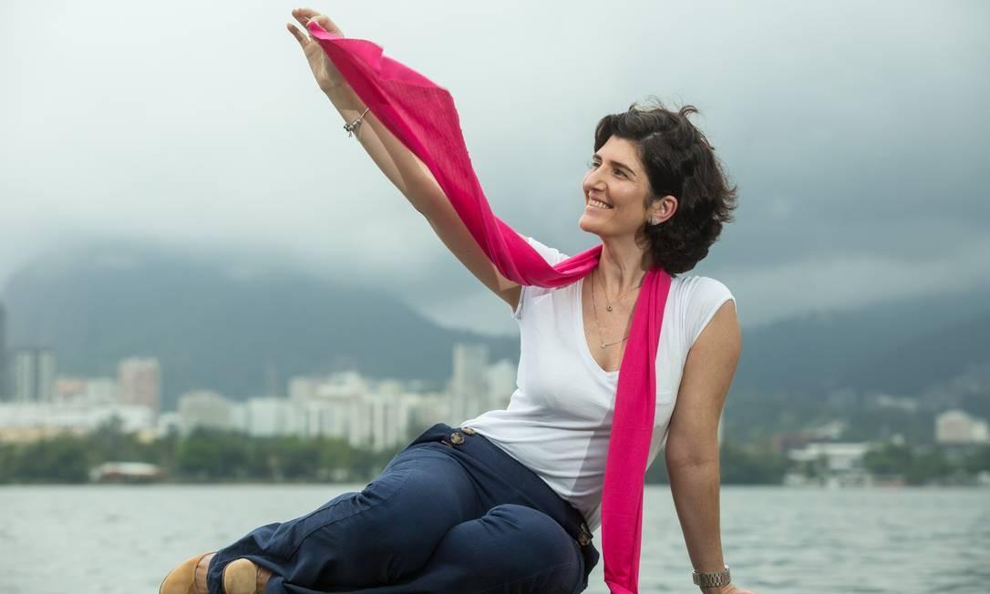 A carioca Andréa Fidalgo fez tratamento para um câncer de mama durante quase um ano e, hoje, está curada Foto: Brenno Carvalho / Agência O Globo