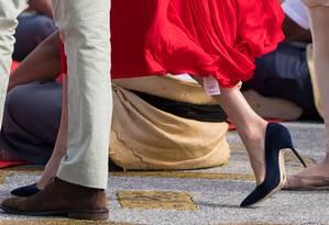 Meghan esqueceu de tirar a etiqueta do vestido Foto: Reuters