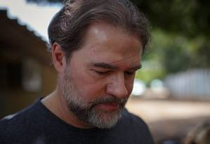 O presidente do Supremo Tribunal Federal (STF), ministro Dias Toffoli, vota em zona eleitoral no colegio CECAP, no lago norte em Brasilia Foto: Daniel Marenco / Agência O Globo