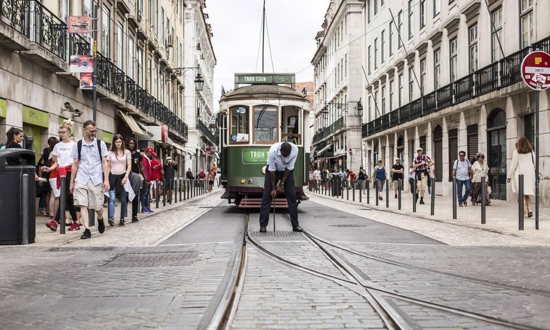 Lisboa: alta procura de brasileiros pela cidadania portuguesa Foto: Hermes de Paula / Agência O Globo