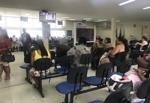 Na CSF Raphael de Paula Souza, em Curicica, na Zona Oeste do Rio, funcionários trabalham preocupados com os cortes Foto: Flávia Junqueira