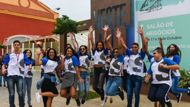 Os alunos da Firjan SENAI e Firjan SESI foram recebidos como convidados especiais no Veste Rio Foto: Alex Ferro/G.lab