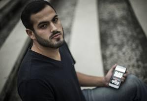 Vctor Hugo Gonçalves diz ter sofrido com a demora na entrega de uma compra feita em 2016, durante a Black Friday Foto: Guito Moreto