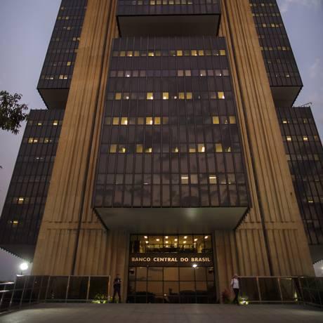 Dívida pública do país é de R$ 5,2 trilhões, segundo o Banco Central. Foto: Daniel Marenco / Agência O Globo