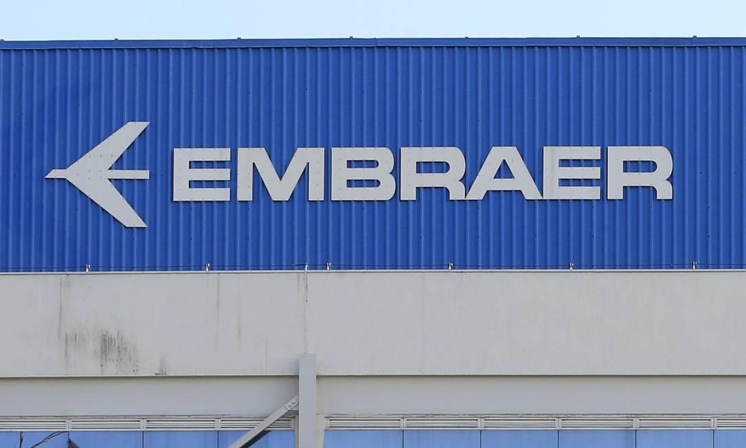 Costa: decisão sobre joint venture entre Boeing e Embraer cabe ao atual governo Foto: Edilson Dantas / Agência O Globo