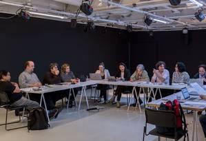 Comissão julgadora que definiu os 10 finalistas do Prêmio Oceanos 2018 Foto: André Seiti / Itaú Cultural