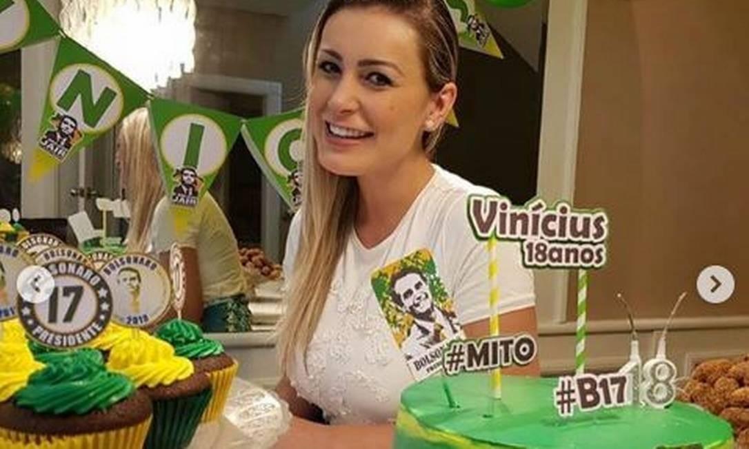 Andressa Urach fez festa com tema do Bolsonaro para o irmão mais novo Foto: Reprodução / Instagram / Divulgação