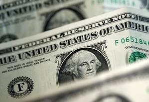 Notas de dólar Foto: Dado Ruvic / Reuters