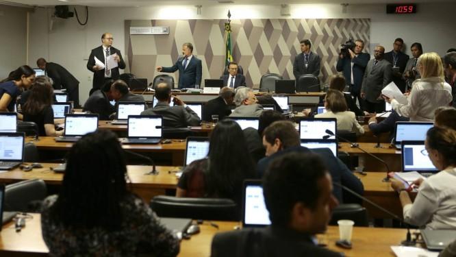Sessão da Comissão de Constituição e Justiça (CCJ) Senado discute projeto que criminaliza movimetos sociais Foto: Jorge William / Agência O Globo