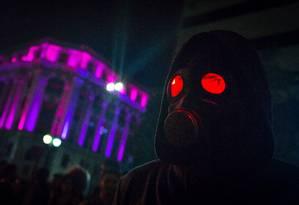 """""""O doutrinador"""" é um vigilante que persegue e mata políticos corruptos com requintes de crueldade Foto: Aline Arruda / Divulgação"""