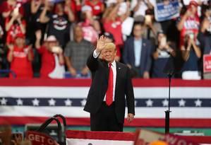 Presidente Donald Trump participa de comício em favor de republicanos, na Flórida Foto: JOE RAEDLE / AFP