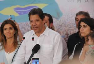Fernando Haddad discursa no Hotel Pestana, em São Paulo, após o anúncio da vitória de Jair Bolsonaro para a Presidência da República Foto: Valor Econômico / Agência O Globo