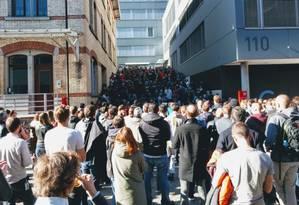 Funcionários da Google em Zurique cruzaram os braços contra o assédio sexual Foto: Reprodução/Twitter/@TedOnPrivacy