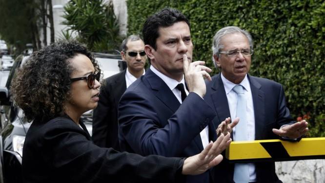 Resultado de imagem para Sérgio Moro na cada de Jair Bolsonaro