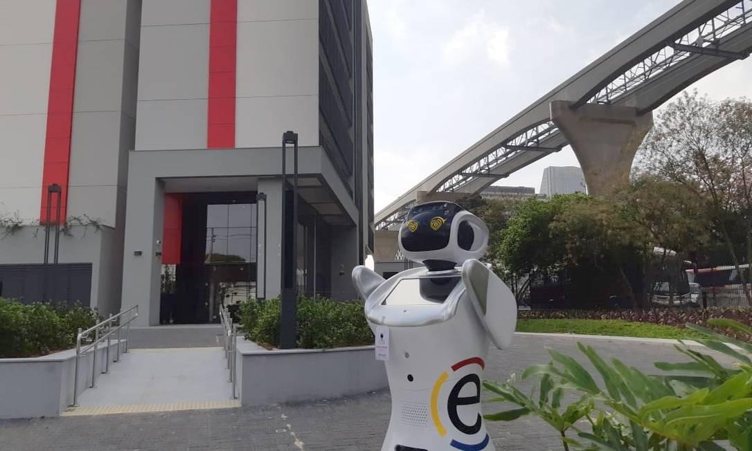 A robô Rebeca faz parte da equipe de funcionários de hotel que será inaugurado este mês Foto: Divulgação