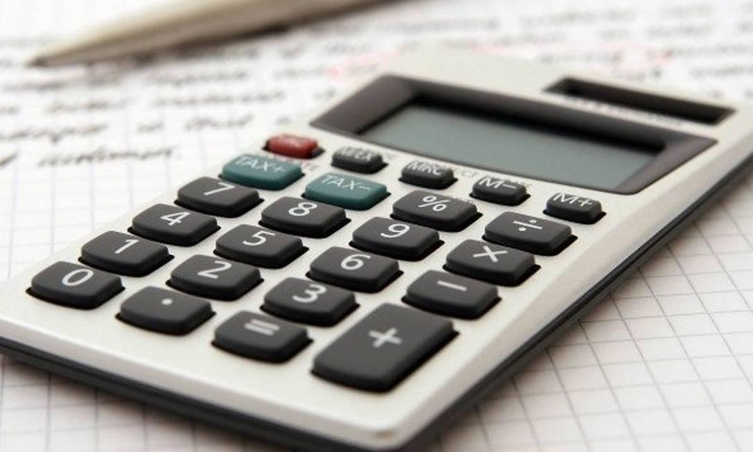 As empresas devem refazer as contas e retificar a declaração, recolhendo o imposto devido Foto: / Arquivo