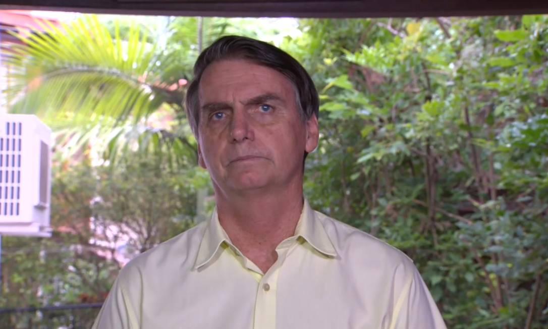 O presidente eleito, Jair Bolsonaro, concede entrevista coletiva Foto: Reprodução TV
