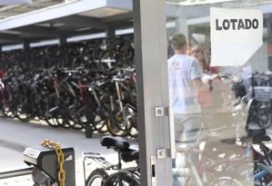 Bicicletário na Praça Arariboia, no Centro de Niterói Foto: Roberto Moreyra / Agência O Globo