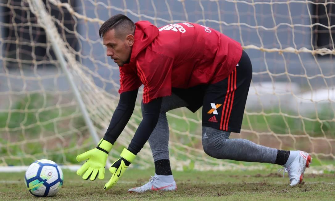 O goleiro Diego Alves em treino do Flamengo Foto: Gilvan de Souza/Flamengo