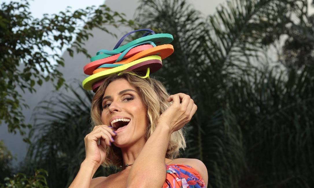 Giovanna e os chinelos Green: empresária Foto: Ricardo Cruz