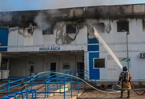 Incêndio atingiu Hospital Lourenço Jorge neste sábado Foto: Marcelo Regua / Agência O Globo