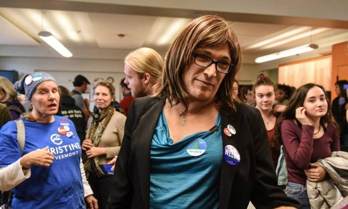 Candidata democrata ao governo de Vermont, Christine Hallquist é a primeira transgênera a ser indicada para uma disputa estadual por um dos dois maiores partidos dos EUA Foto: STEPHANIE KEITH / AFP