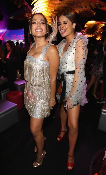 Foi com esse sorrisão e ao lado da cantora mexicana Sofia Reyes que Anitta terminou a noite deste domingo, na festa que aconteceu logo depois da premiação Foto: Andreas Rentz / Getty Images for MTV