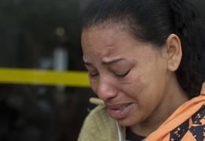 Rosângela Maria Almeida Mendonça, mãe do menino de 14 anos morto após ser atingido por uma bala perdida na Cidade de Deus Foto: Márcia Foletto / Agência O Globo