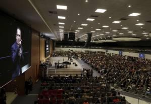 O pastor evangélico Silas Malafaia, da Assembleia de Deus Vitória em Cristo, num culto. Ele celebrou o casamento de Bolsonaro com Michelle e se tornou um dos principais apoiadores da candidatura presidencial de Bolsonaro Foto: RICARDO MORAES / REUTERS