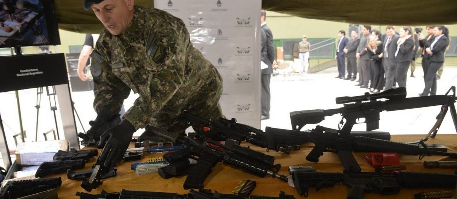 Armas de guerra seriam enviadas aos morros do Rio. Foto: Polícia Federal da Argentina