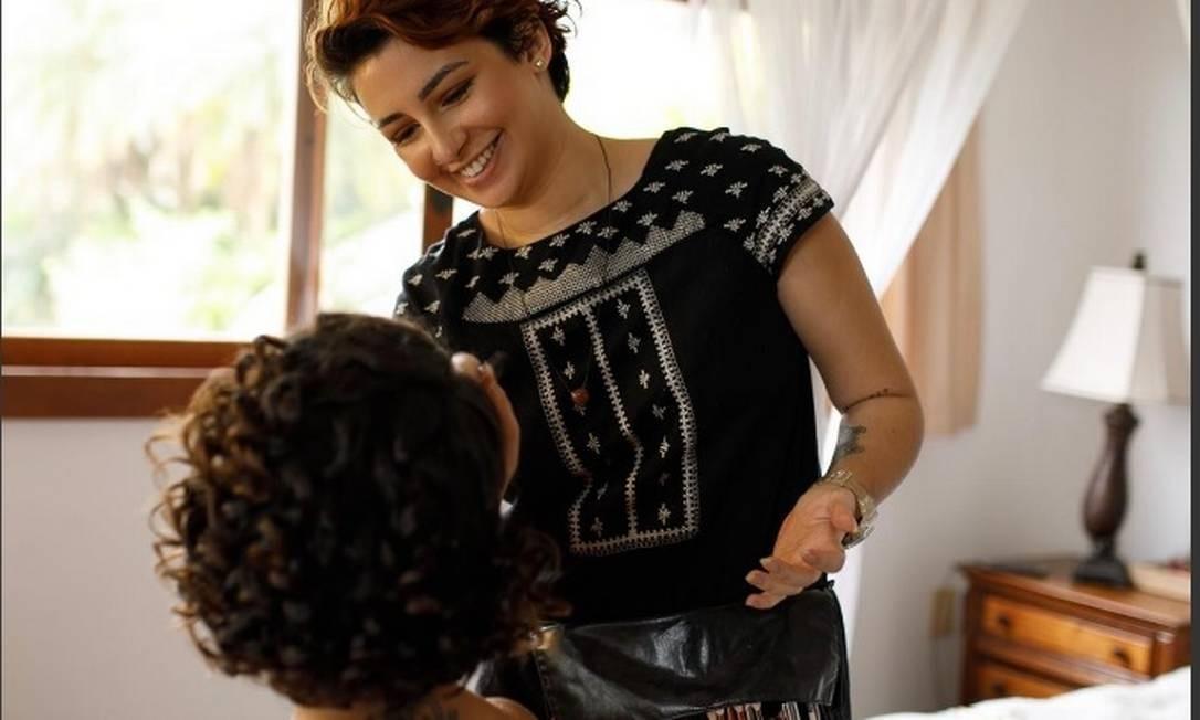 Maquiadora Débora Riete oferece serviço grátis até o fim do ano Foto: Arquivo Pessoal