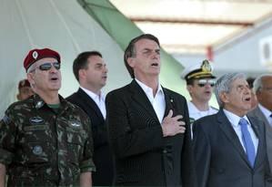 Jair Bolsonaro durante solenidade de formatura de paraquedistas do Exército no Rio Foto: Márcio Alves / Agência O Globo (21/07/2018)
